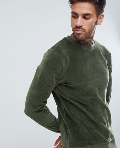 Muscle-Fit-Sweatshirt-In-Green-Velour